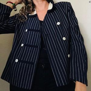 Vintage beatyful blazer size . 10 P.